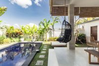 villa backyard